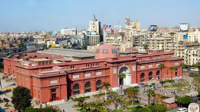 Хотел по програма Египет от А до Я - полет от София и кацане в Хургада